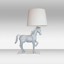 Biała lampa stojąca 81cm ozcan 1002t biała koń design